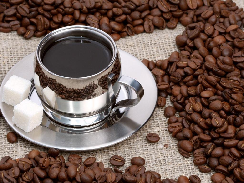 コーヒーとコーヒー豆 壁紙 - 1024x768    1024x768 壁紙ダウンロード