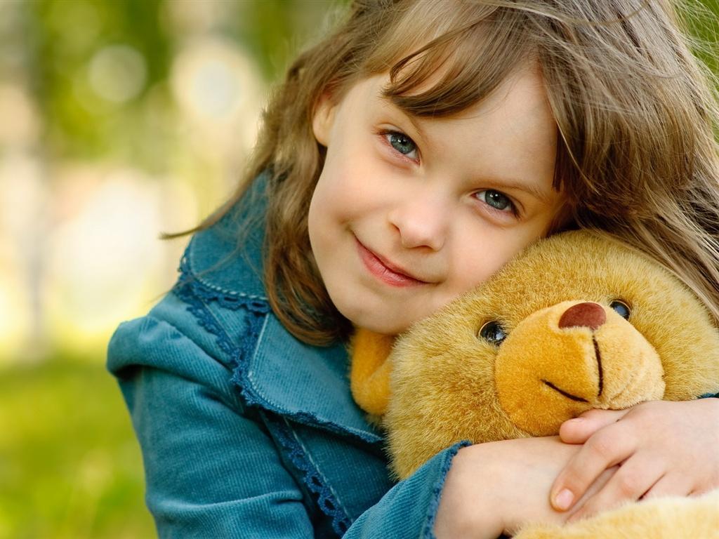 Little Girl Wallpaper Resolution Download