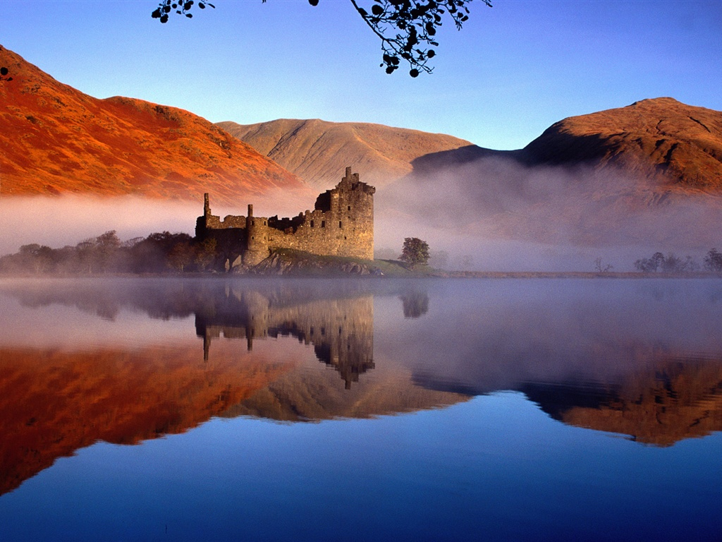 Castle in Scotland wallpaper - 1024x768