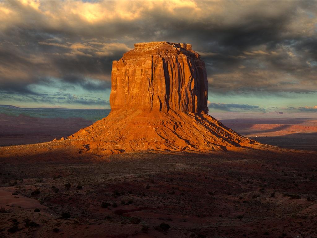 download wallpaper 1024x768 rock hill in the desert hd