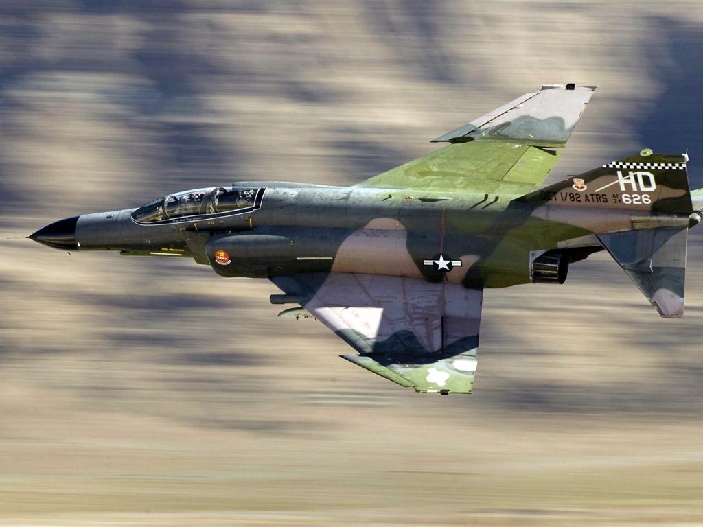 F 4 (戦闘機)の画像 p1_35
