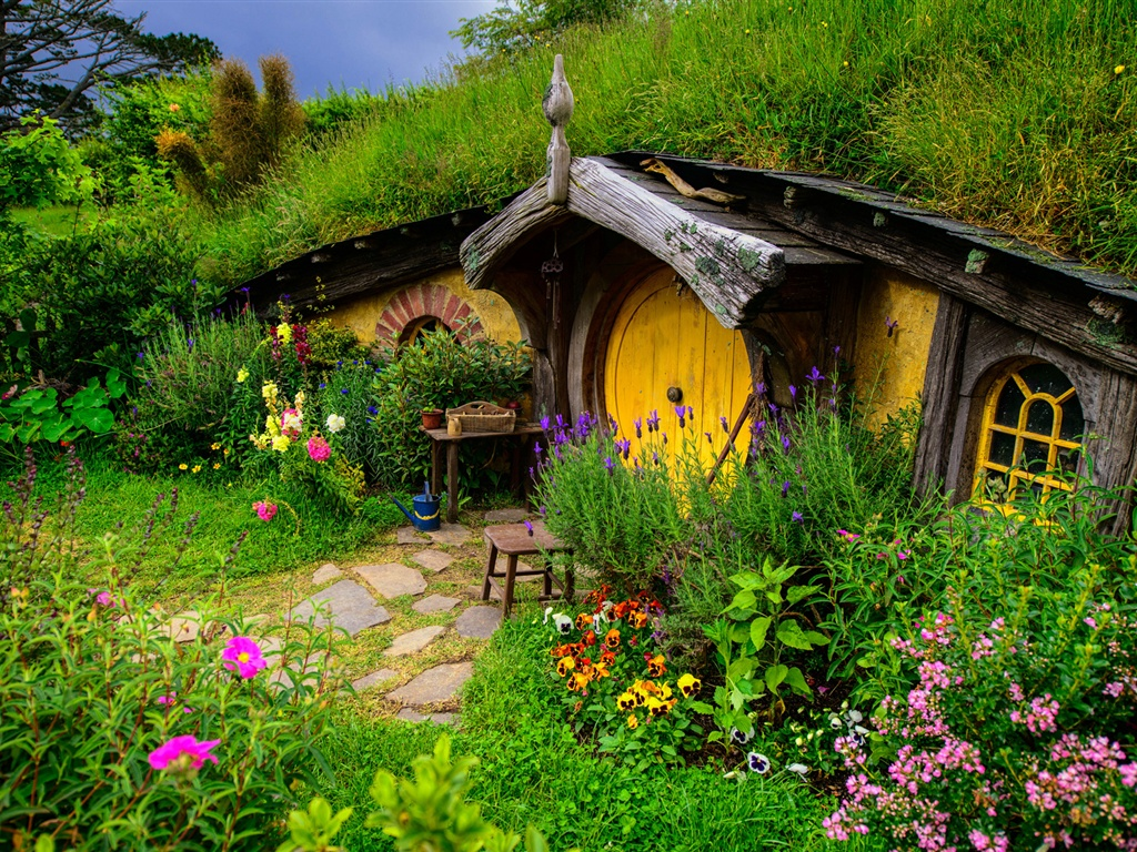 Lord Of The Rings Hobbit House Hill Flowers Grass Wallpaper