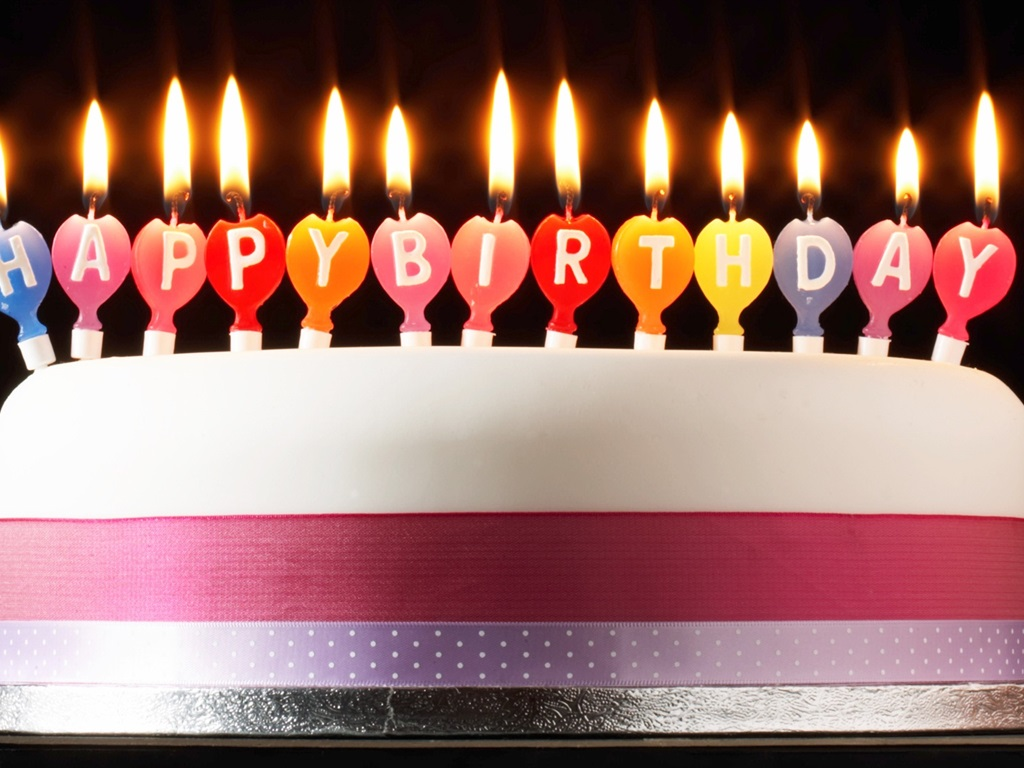 Wallpaper Happy Birthday Cake Candles Fire Simple Style