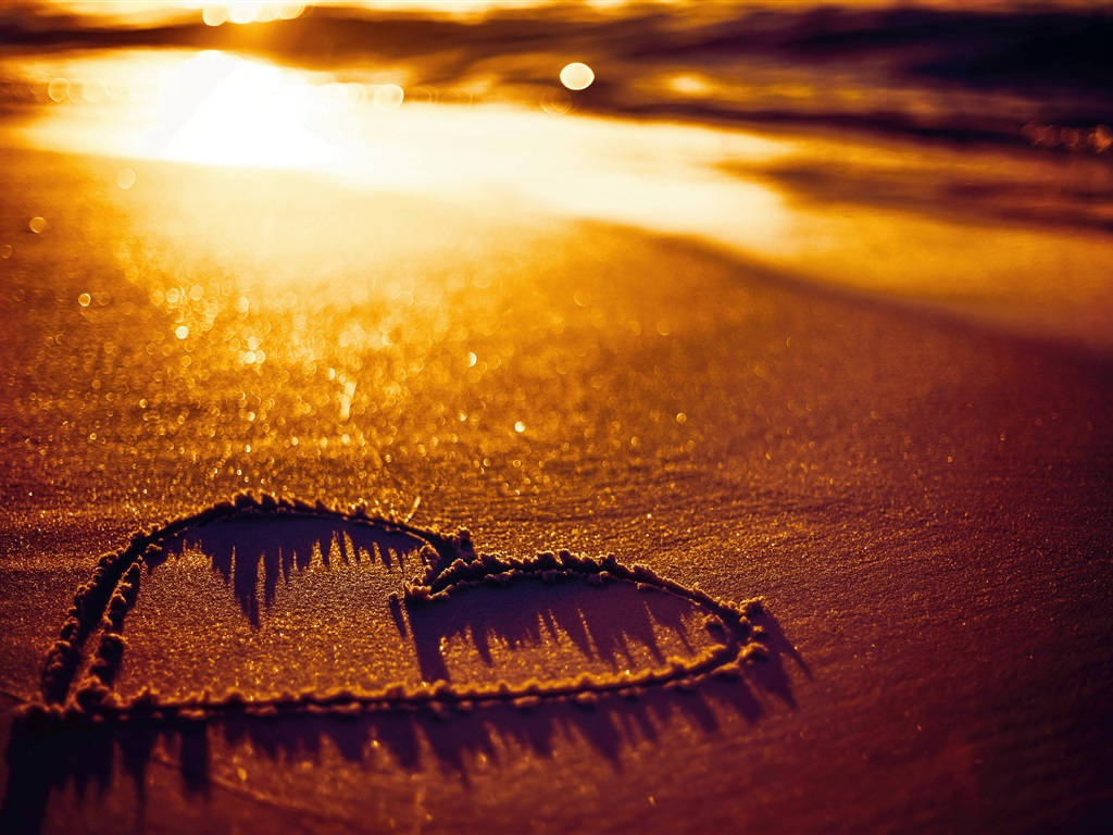 Love Wallpapers In Portuguese : Download Wallpaper 1024x768 Love heart, beach, sands, sunset HD Background