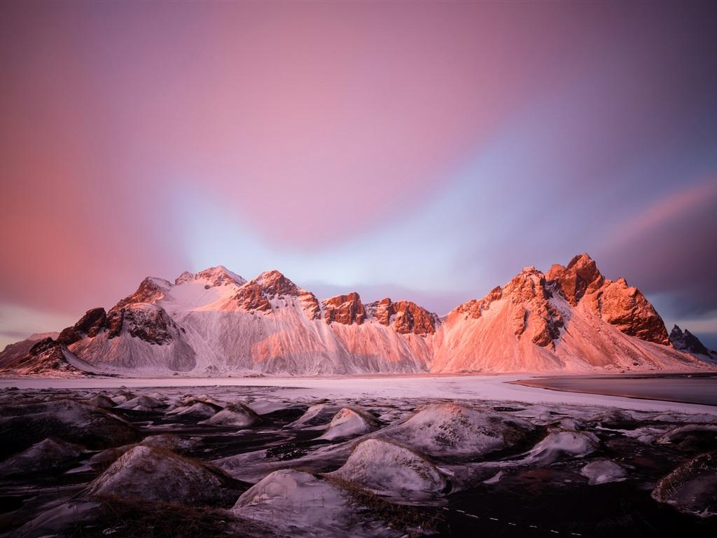 Montaña Nevada 1024x768: Montañas, Nieve, Invierno, Lago, Piedras, Cielo