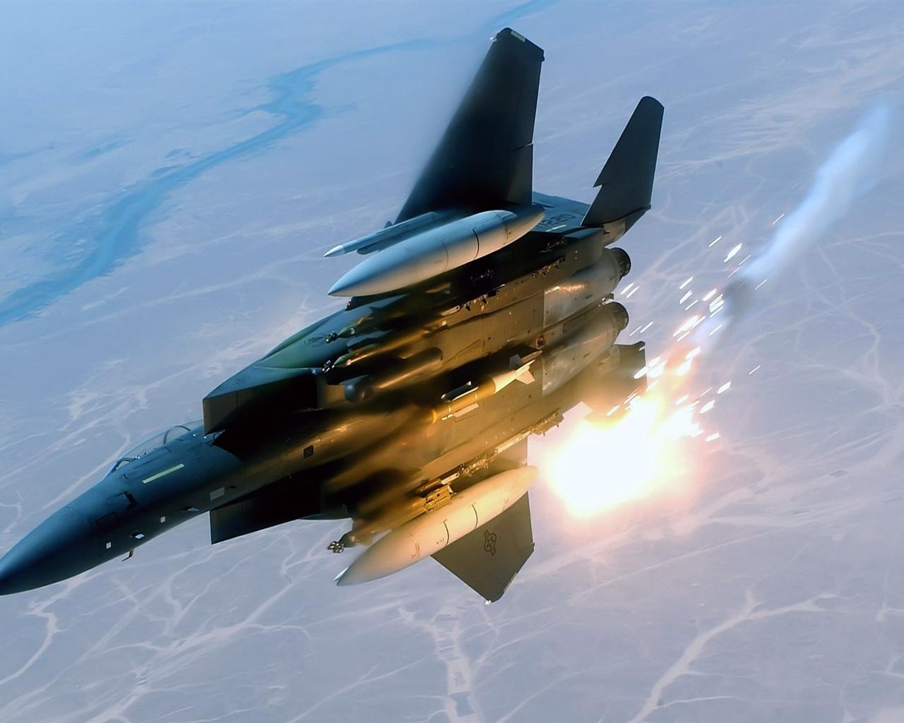 航空機のミサイル発射 壁紙 - 1280x102... 航空機のミサイル発射 壁紙