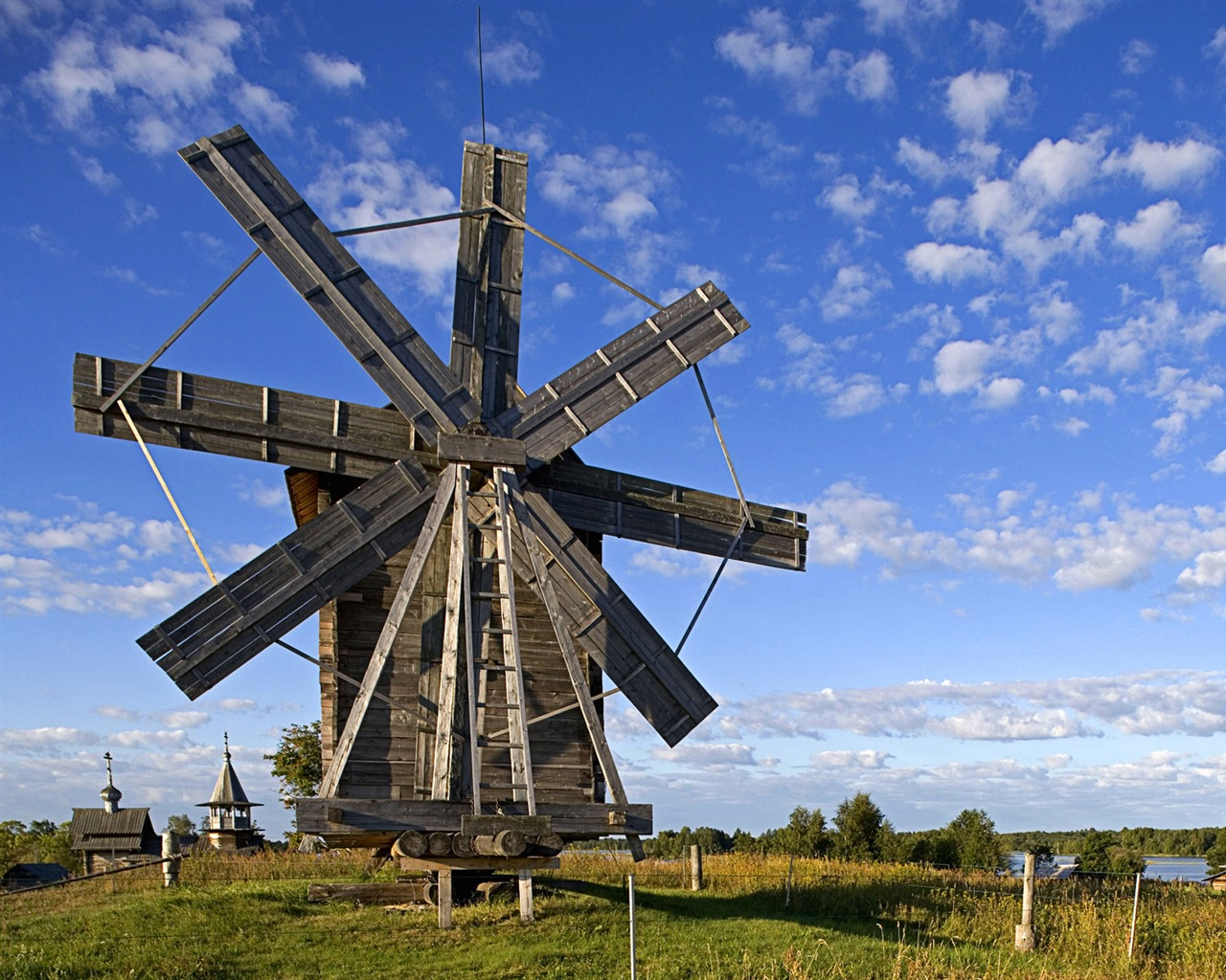 Windmill in Volkostrov, Onega Lake, Karelia wallpaper - 1280x1024