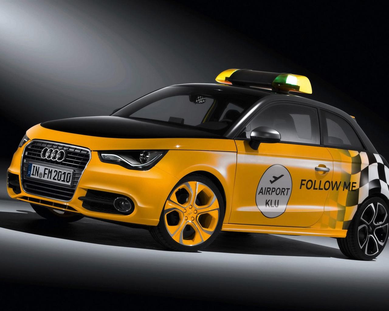 下载壁纸 1280x1024 奥迪黄色警车 桌面背景