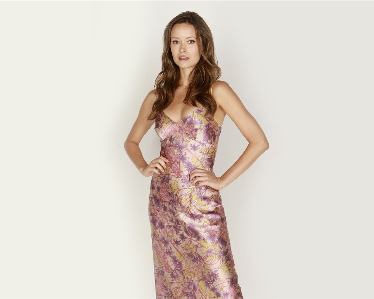 Summer Glau 07 wallpaper - 1280x1024