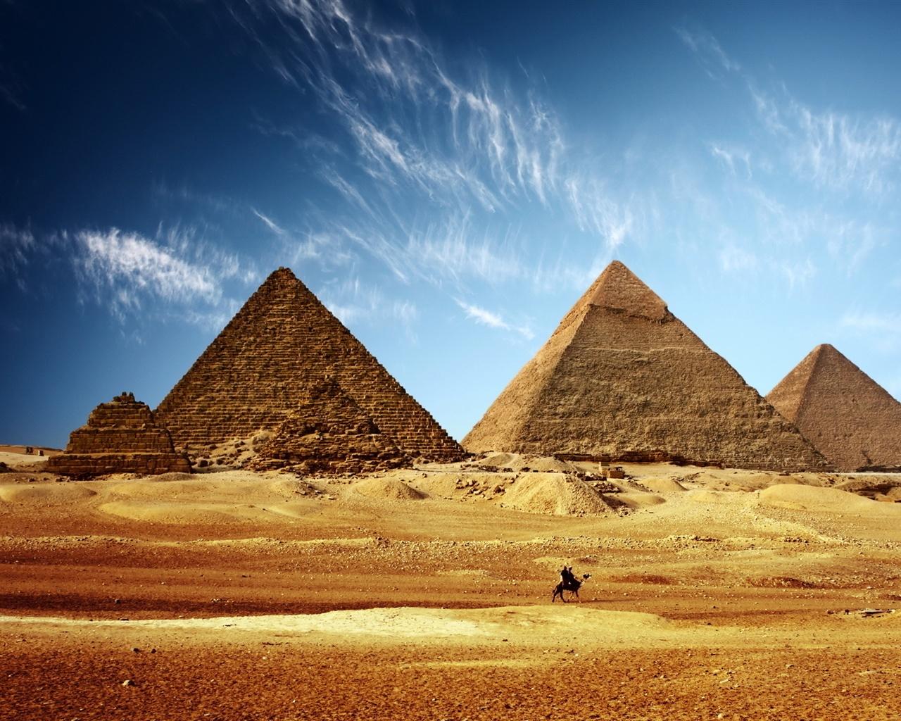 エジプトのピラミッド黄金の砂、青い空 壁紙 - 1280x1024   エジプトのピラミッド黄金