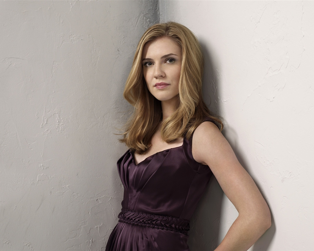 Sara Canning 01 wallpaper - 1280x1024