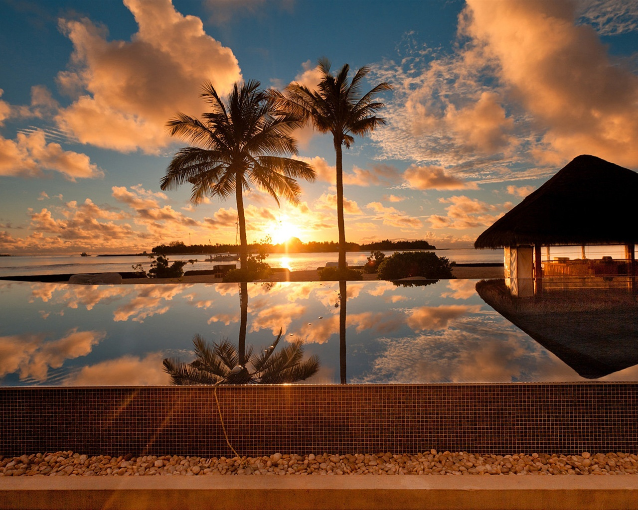 wallpaper tropical ocean scenery, palm tree, house, dusk 1920x1200