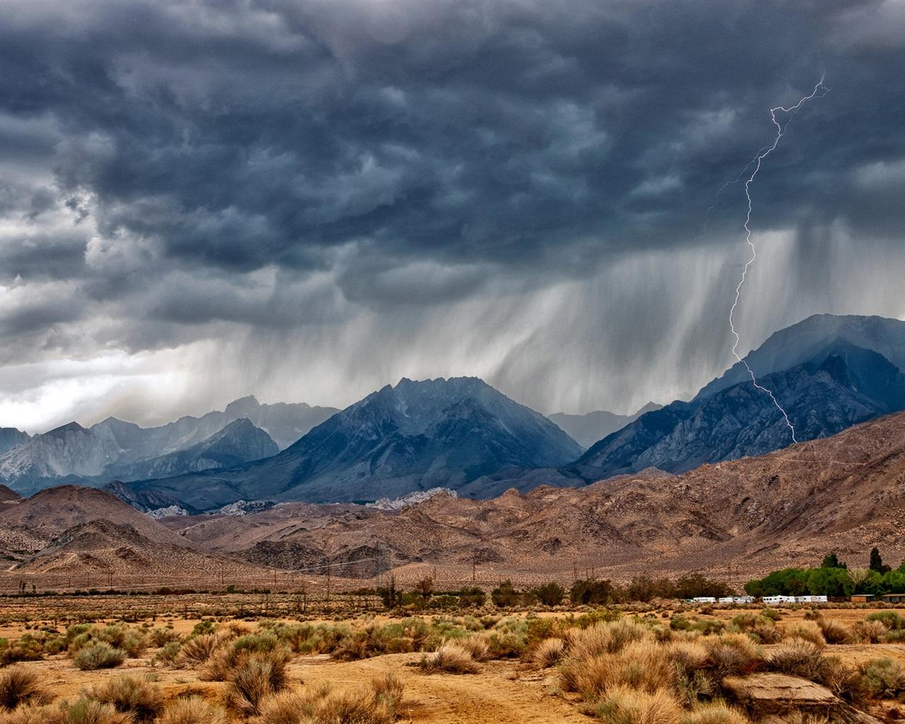 イースタン·シエラ、ネバダ、山、砂漠、雷 壁紙 - 1280x1024   イースタン·シエラ、