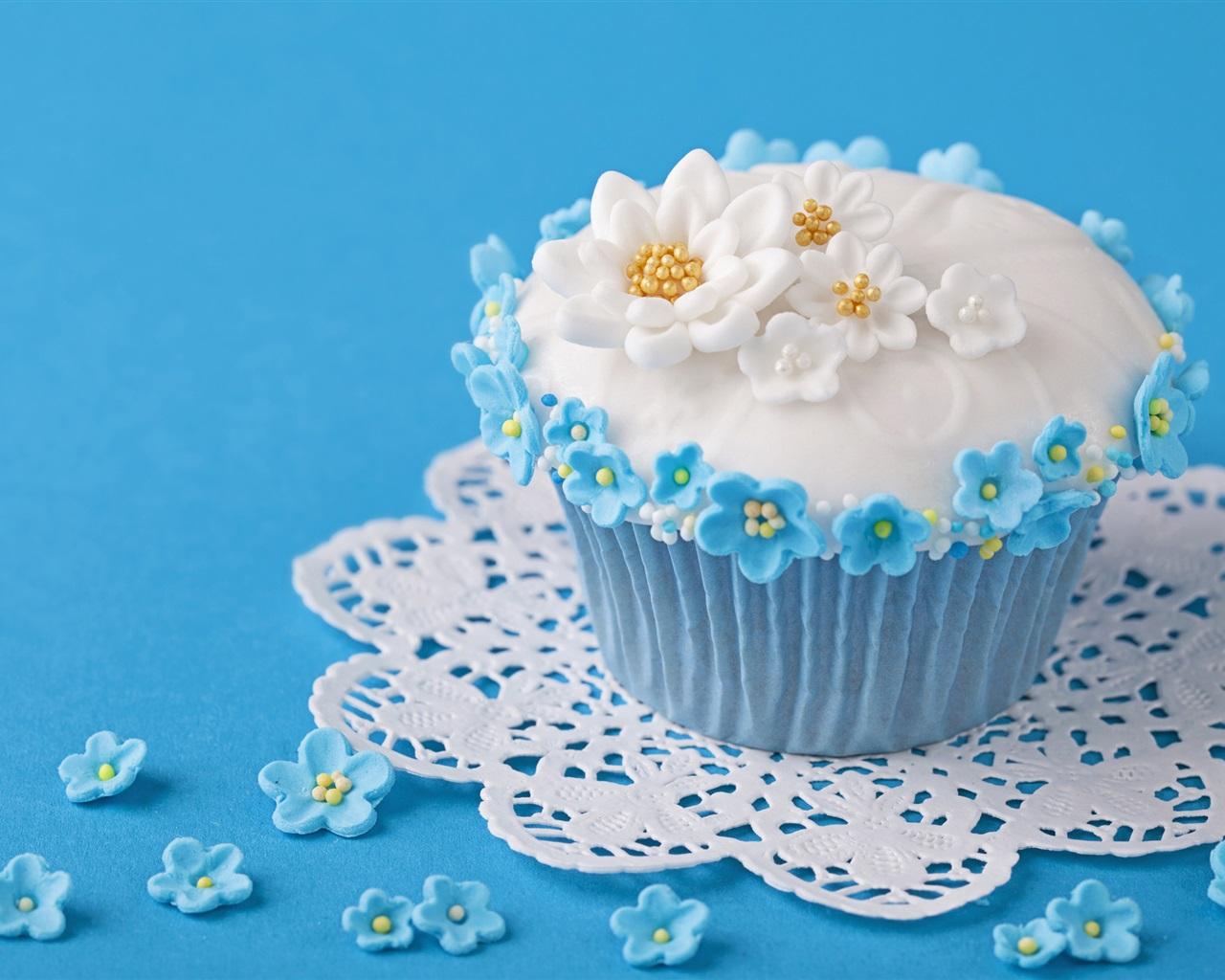 甜���/9�/9�9�%9�.��izj�_甜的食物,蛋糕,鲜花,蓝色的背景 壁纸 - 1280x1024