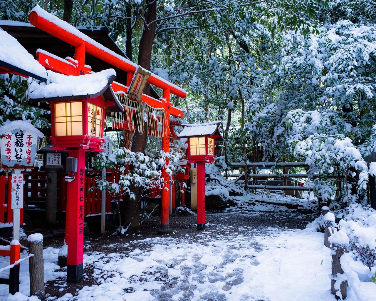 wallpaper shrine torii gate kyoto japan winter snow. Black Bedroom Furniture Sets. Home Design Ideas