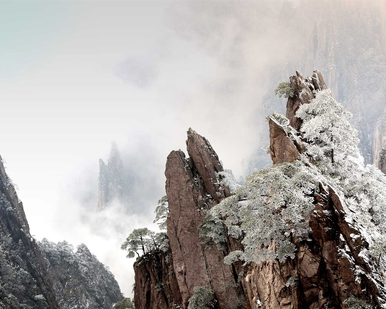 wallpaper huangshan, china, mountains, fog, winter, dawn 1920x1080