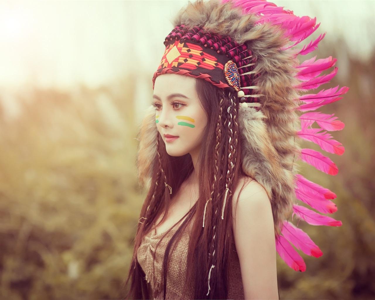 Fonds d'écran Belle fille asiatique, style indien, plumes 1920x1200 HD image