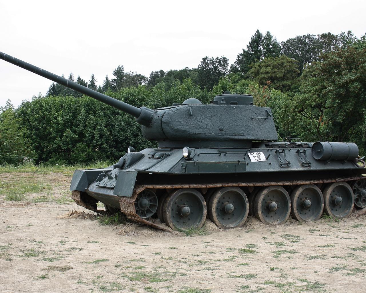 苏联t-34-85坦克 壁纸