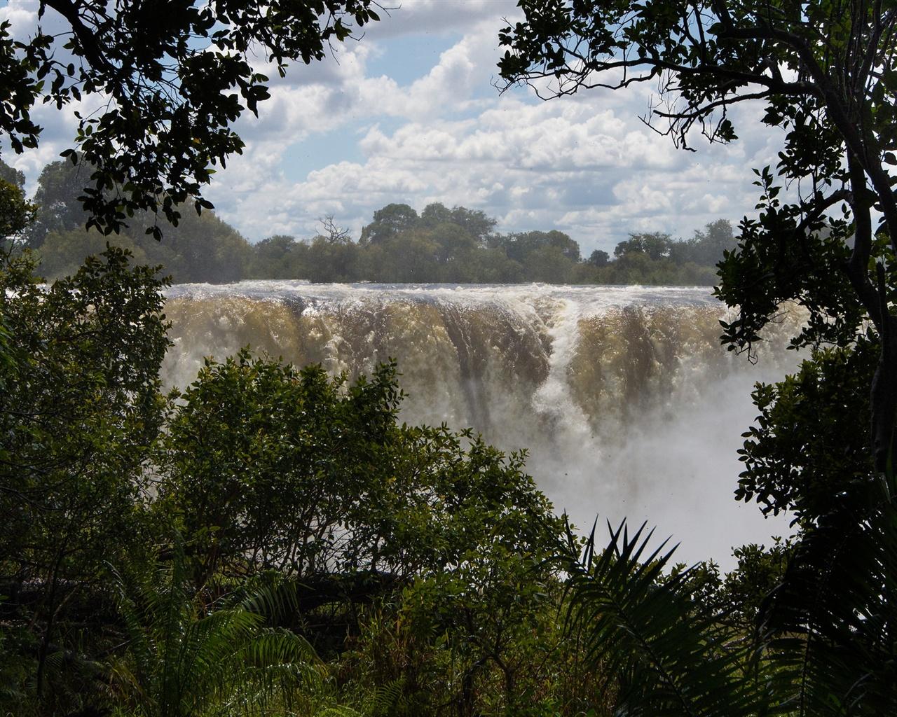 Fondo Pantalla Paisaje Cascadas Y Naturaleza: Cascada, árboles, Nubes, Paisaje De La Naturaleza Fondos