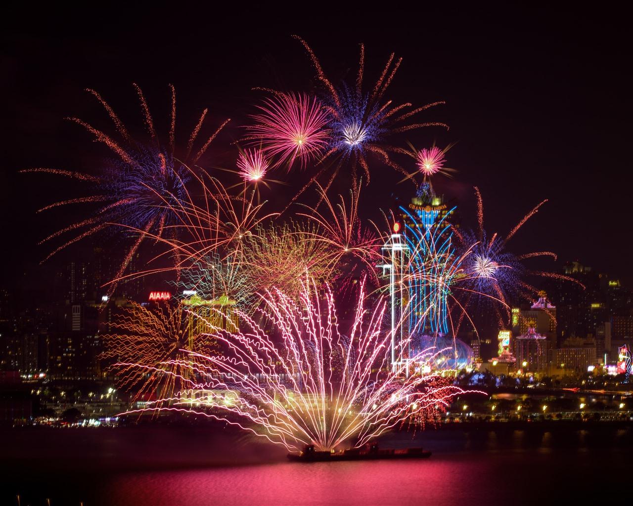 Beautiful Fireworks, Night, City, Shanghai, China