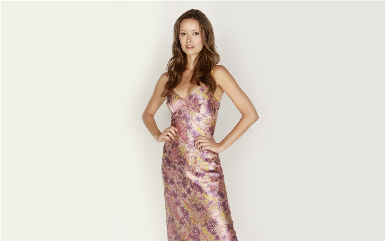 Summer Glau 07 wallpaper - 1280x800