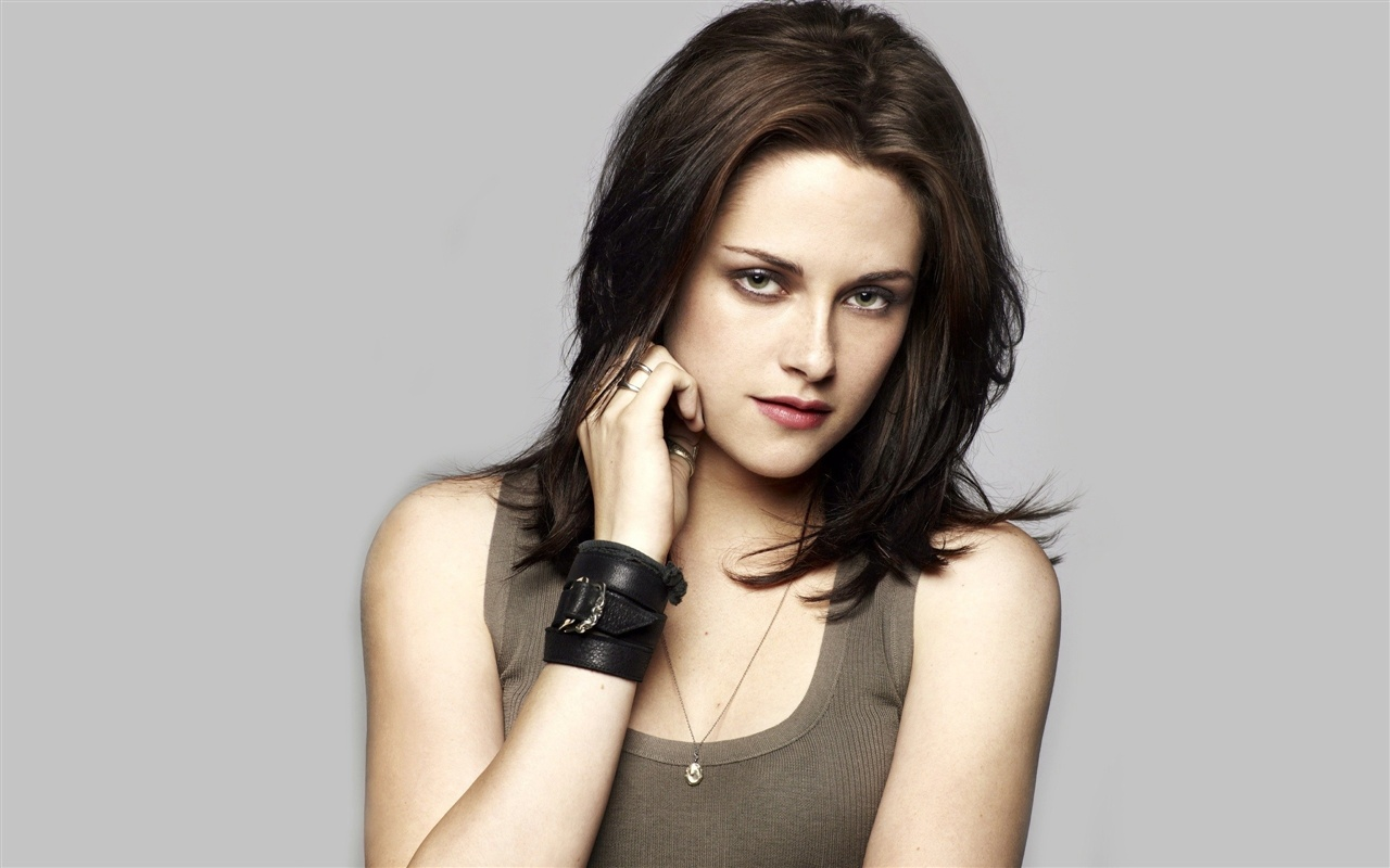 Download wallpaper 1280x800 kristen stewart 09 hd background 1280x800 hd wallpaper kristen stewart 09 altavistaventures Images