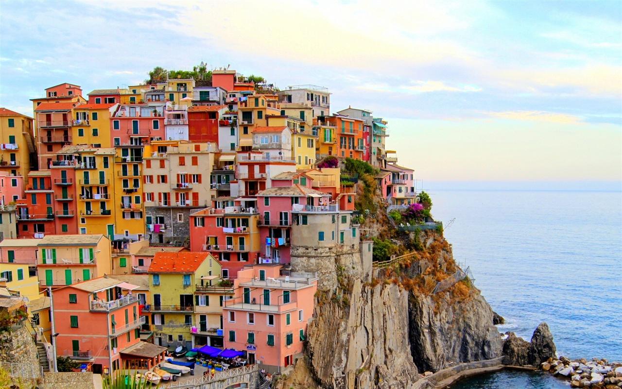 意大利�9��9櫺g�_蒙特罗索,意大利城市,房屋,海,石头,悬崖 壁纸