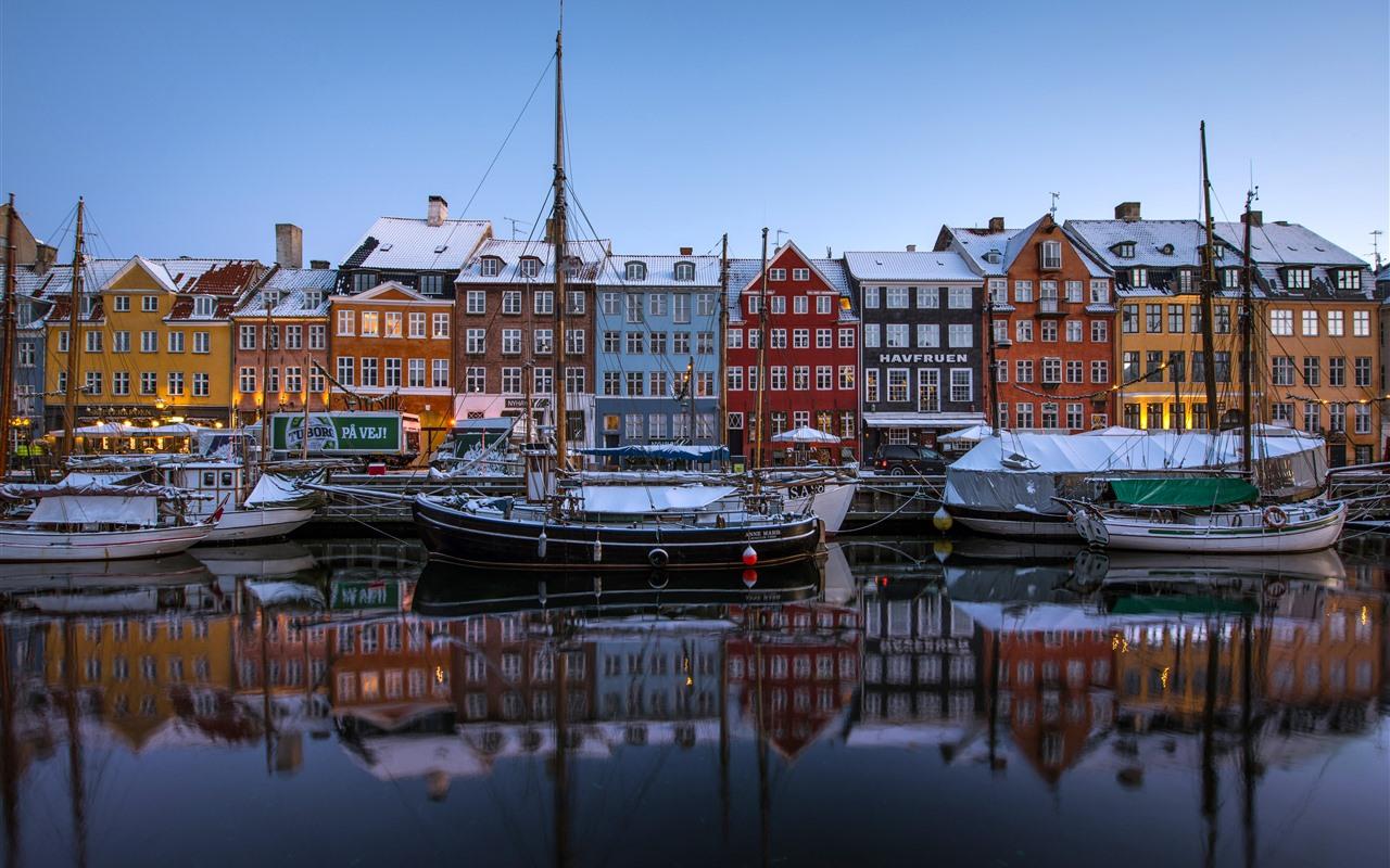 Wallpaper copenhagen denmark new harbor boats houses colors snow winter 5120x2880 uhd 5k - Copenhagen wallpaper ...