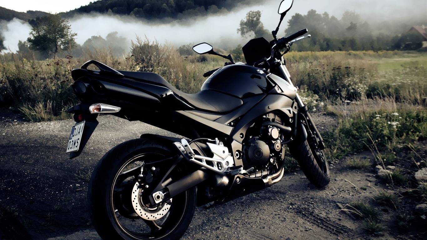 Harley Davidson Wallpapers Hd Best Bikes Pictures By Atit: 壁紙 スズキGSXR600オートバイ 2560x1600 HD 無料のデスクトップの背景, 画像