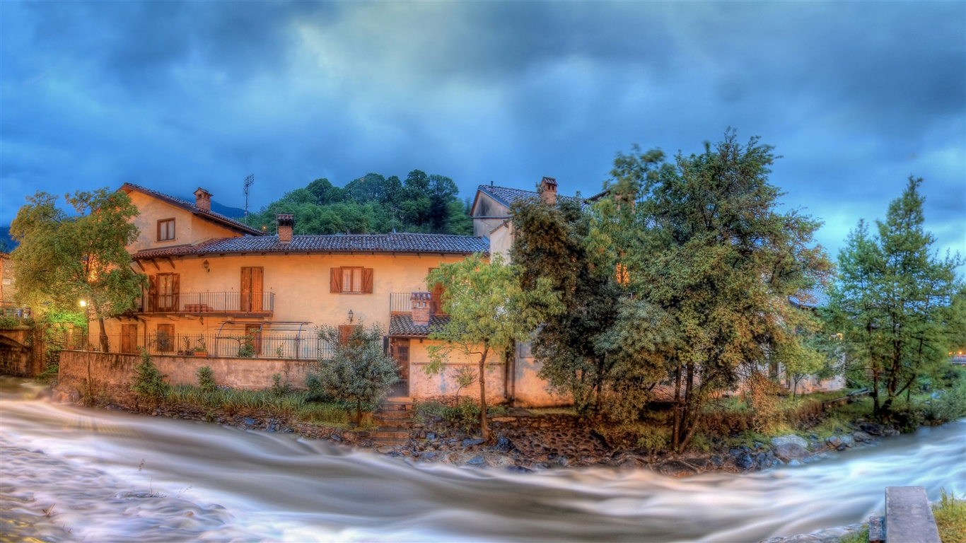 River panoramic views of the village wallpaper - 1366x768