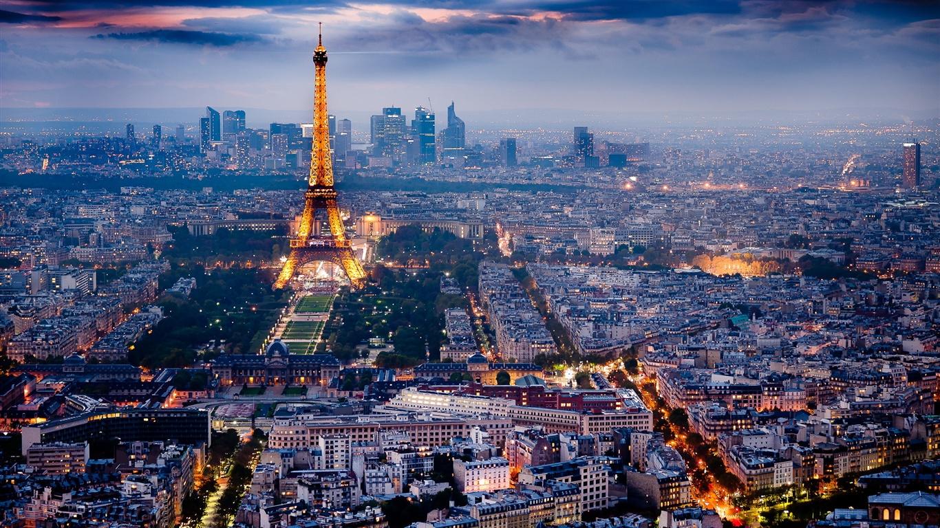 파리 아름다운 도시의 야경 배경 화면 1366x768