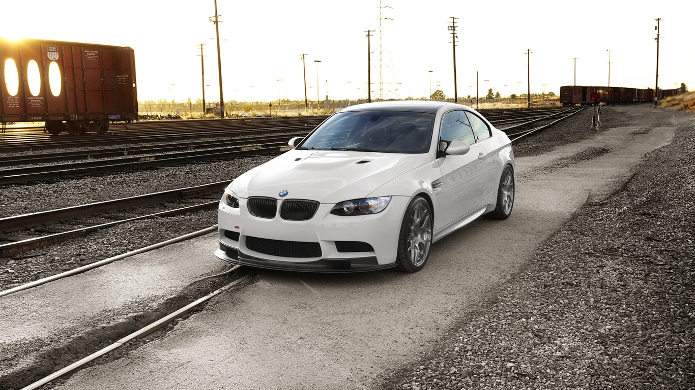 Bmw M3 E92 Sunset Railway 1366x768