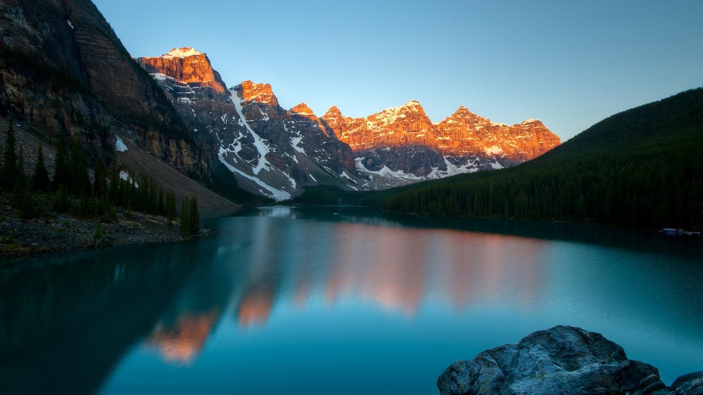 Moraine Lake, Banff Na...