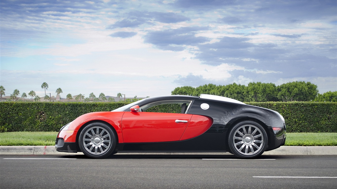 Black And Red Wallpaper >> Bugatti Veyron supercar, red, black Wallpaper | 1366x768 resolution wallpaper download | Best ...