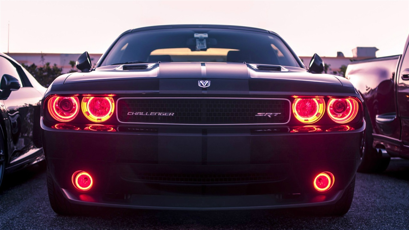 Wallpaper Dodge Challenger Srt8 Classic Car Front View
