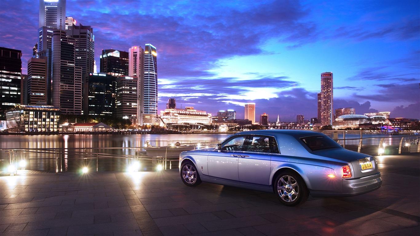 16 Luxury Pubg Wallpaper Iphone 6: 壁紙 ロールスロイスの高級車のリアビュー、都市、夜、ライト