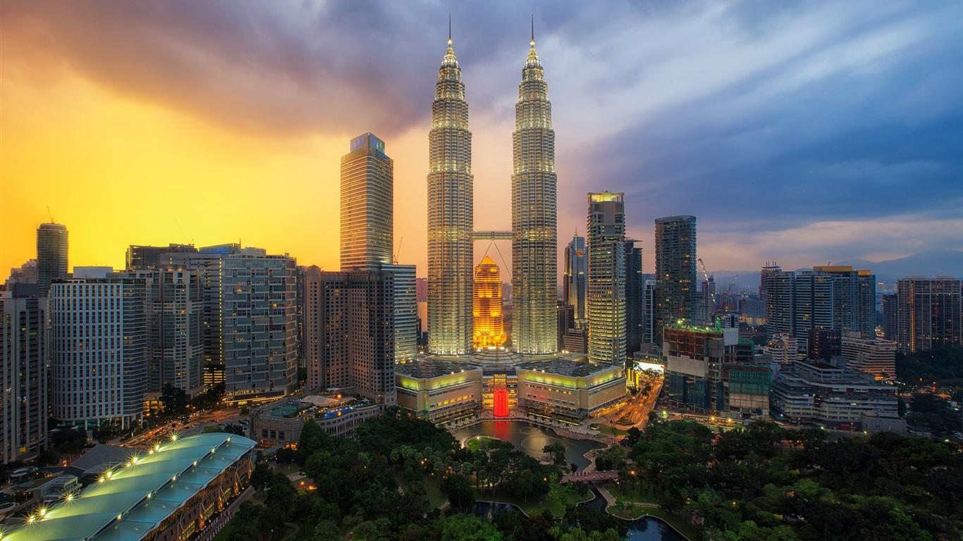 Kuala Lumpur Beautiful Hd Wallpapers: Wallpaper Petronas Twin Towers, Kuala Lumpur, Malaysia