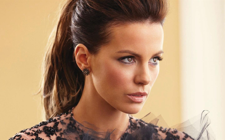 Kate-Beckinsale-04_144...