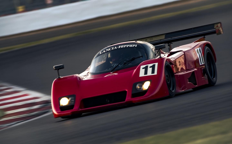 Thunderhill Race Car Wallpaper: Fonds D'écran Lancia Ferrari Voiture De Course Rouge