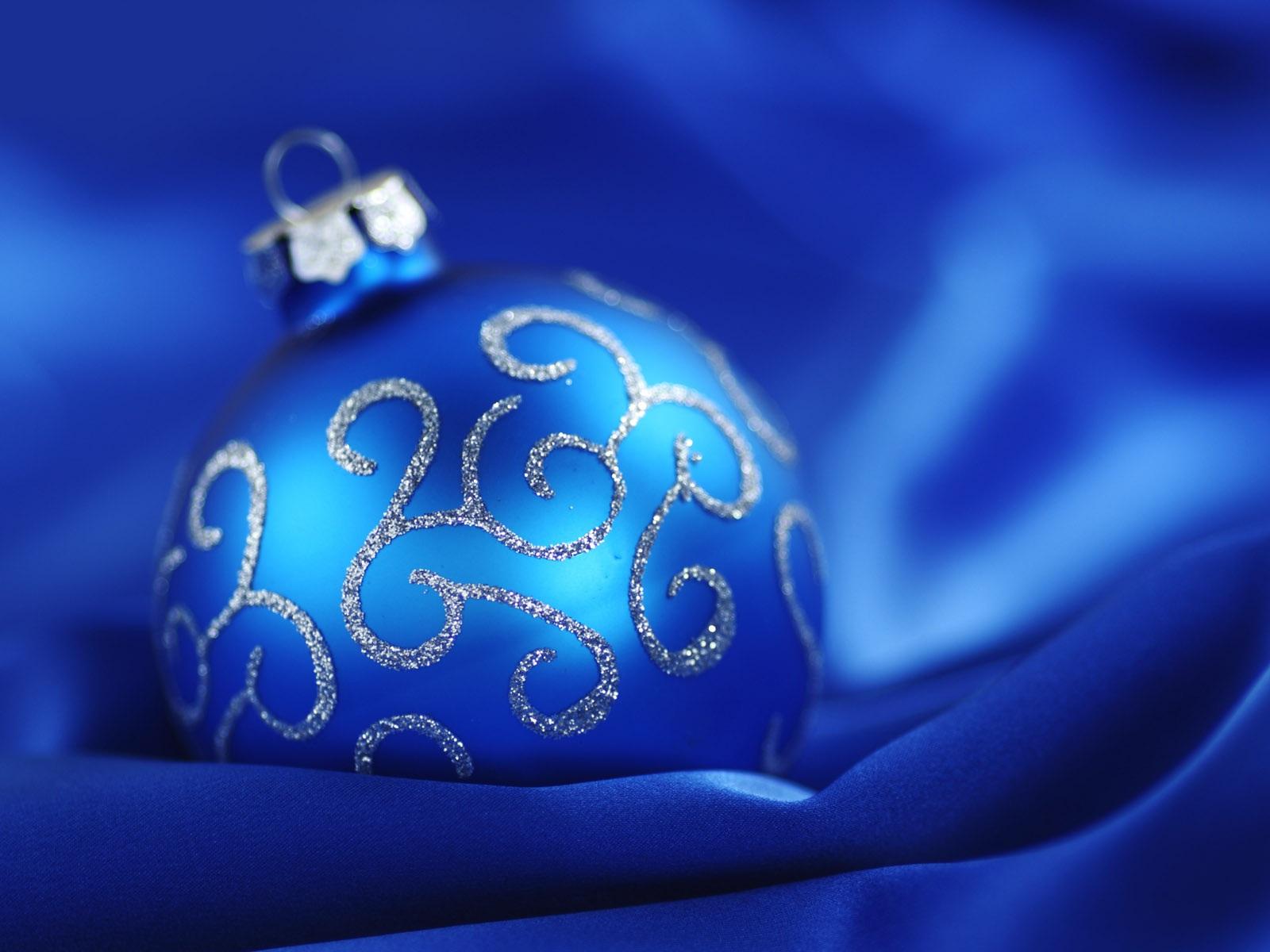 wallpaper blue christmas ball blue background 1920x1200 hd picture image wallpaper blue christmas ball blue