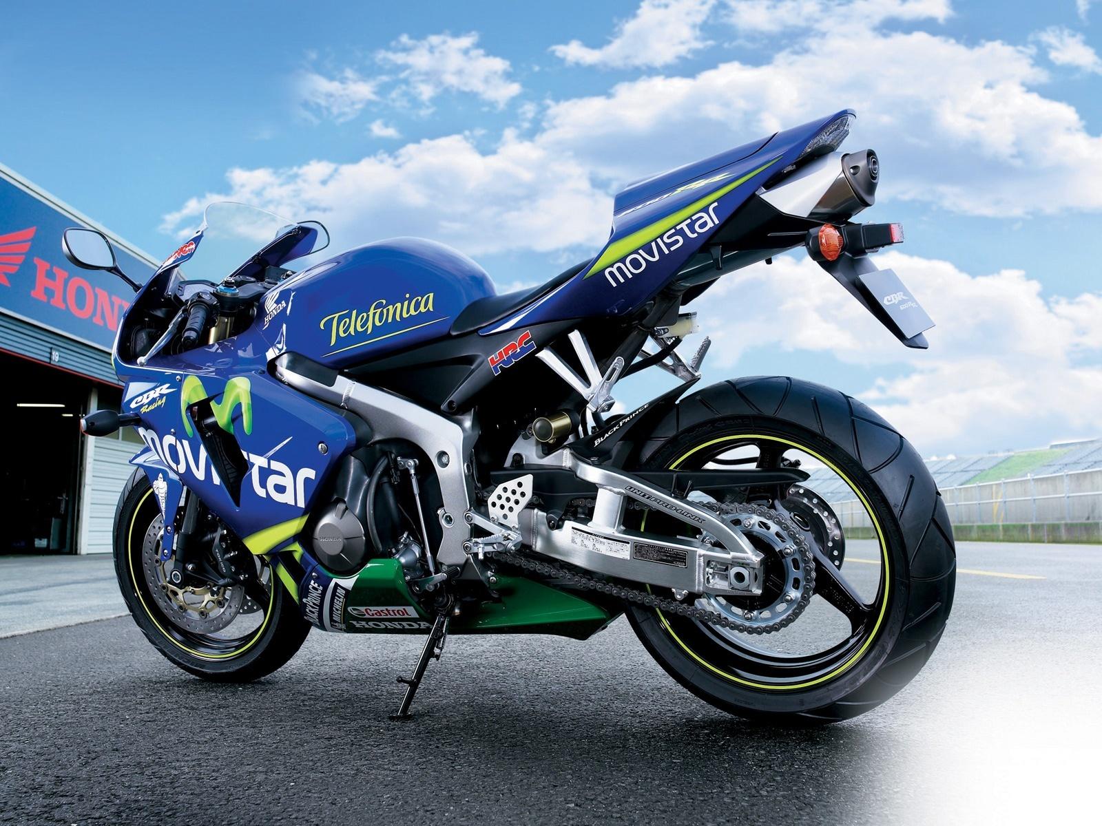 本田CBR 600RR摩托车 壁纸