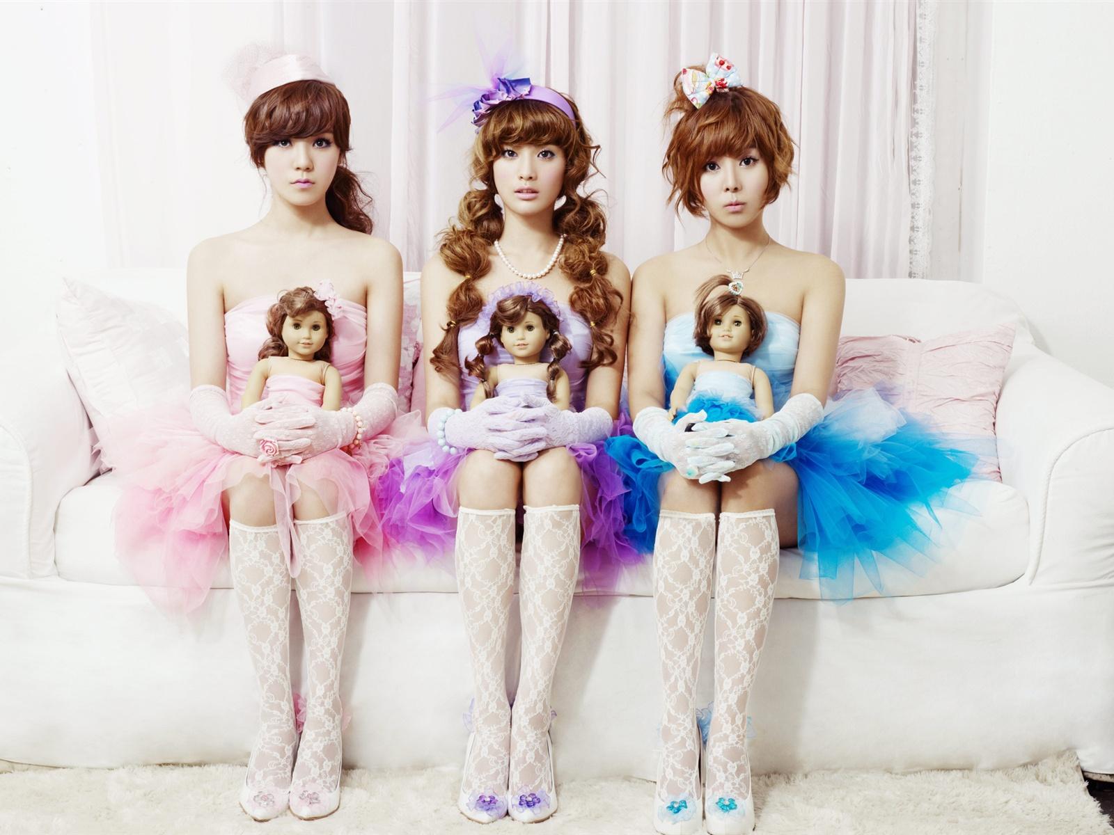 Orange caramel korean music group beautiful girls wallpaper orange caramel korean music group beautiful girls wallpaper 1600x1200 voltagebd Gallery