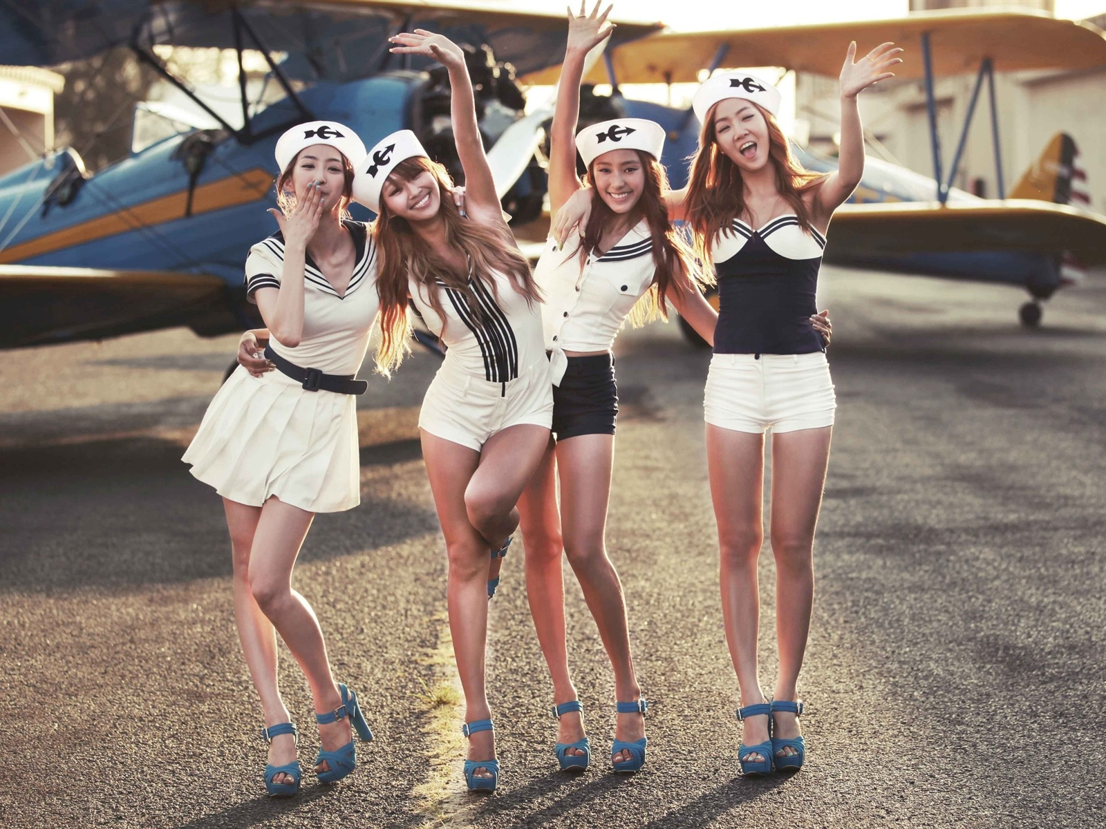 Fashion star pilot music Entertainment m