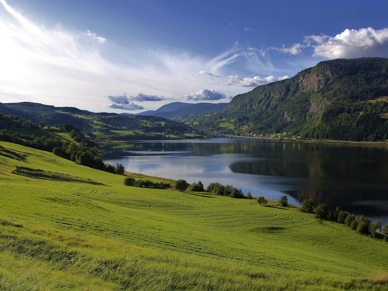 Горы, вода, природа, трава бесплатно