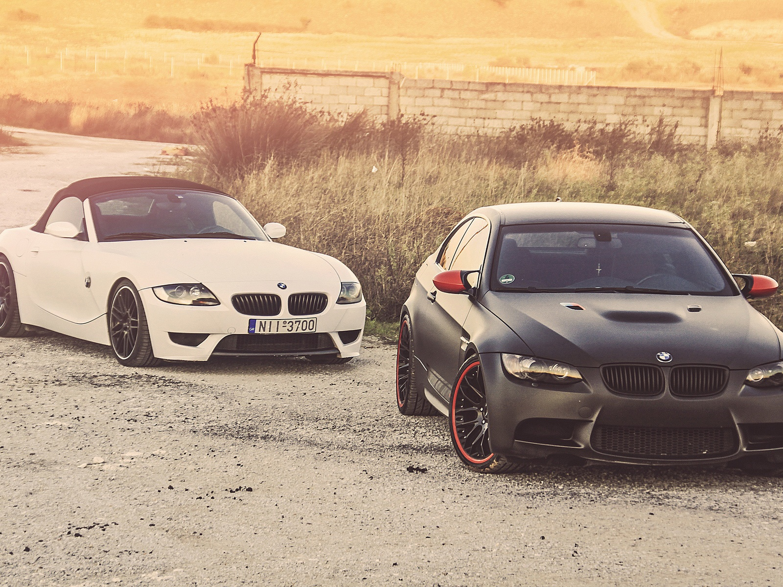 Bmw M3 Z4 White And Black Car Wallpaper 1600x1200