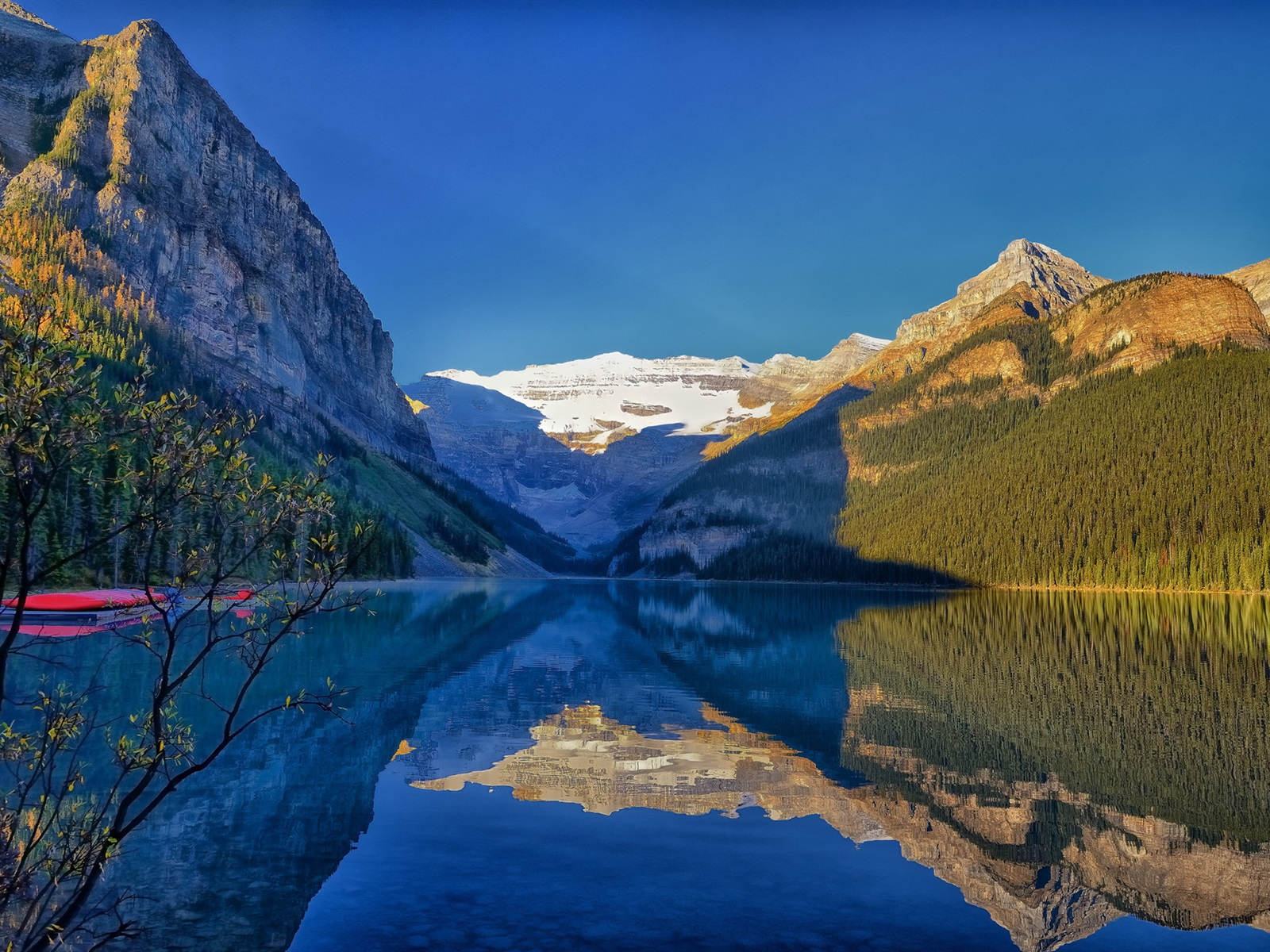 Lac Louise, Parc national Banff, Alberta, Canada, montagnes ...