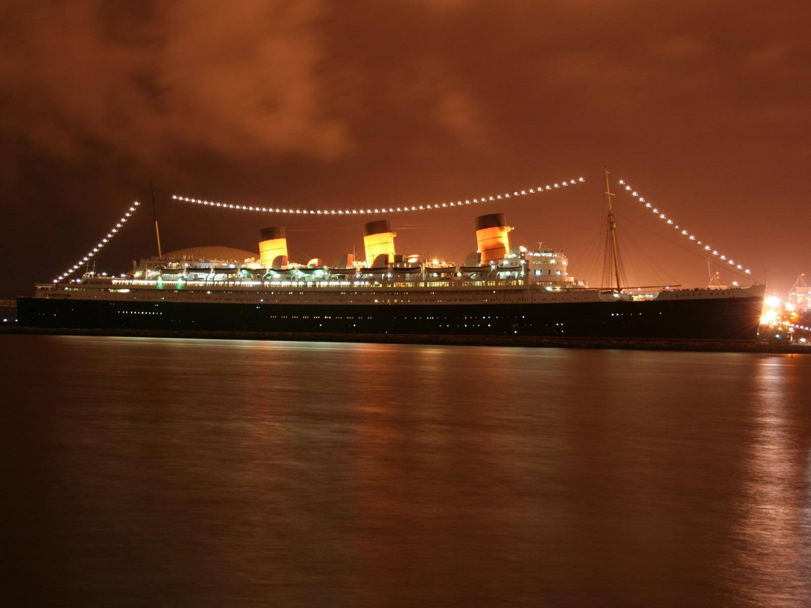 Корабль Queen Mary 2  № 3495228 загрузить