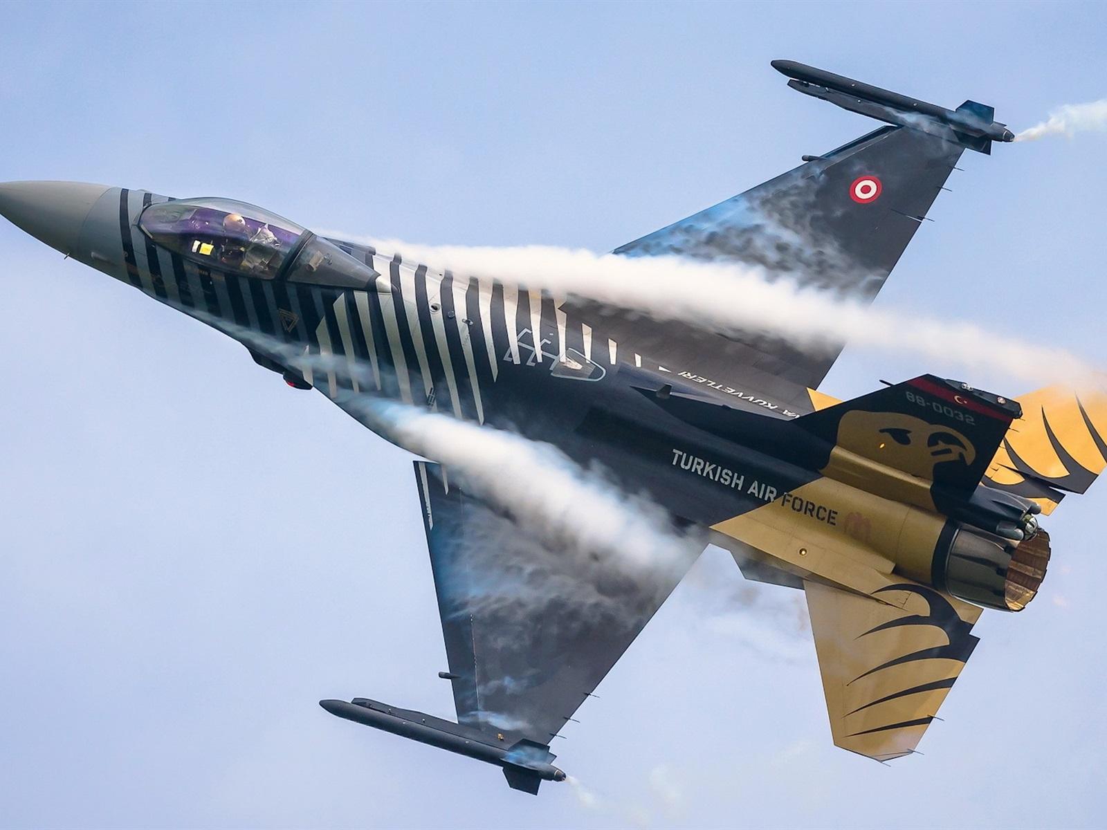 Air force planes photos M - Military Aircraft Photos. Take a shot!