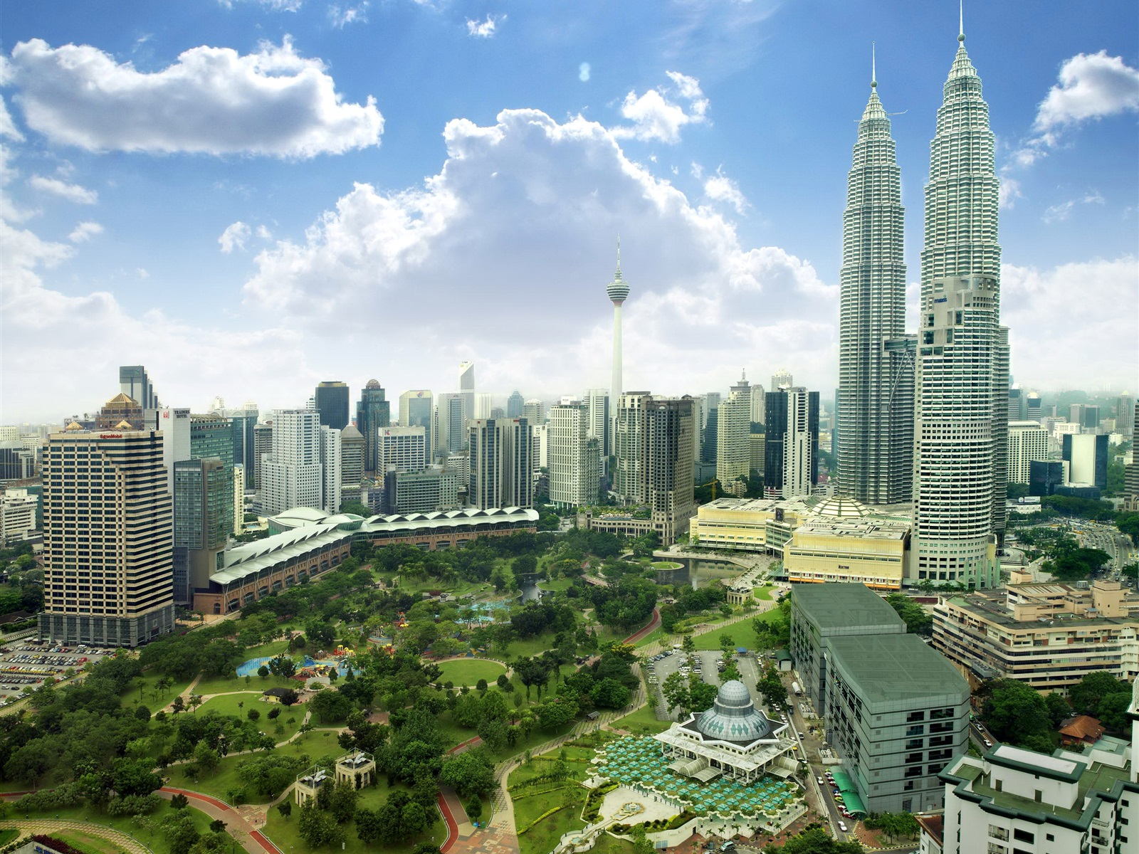 introducing malaysia Introduction to malaysia 10 days from £1250 per person get a taste of malaysia's diverse geography and culture on this 10-day trip that starts in kuala lumpur and ends in langkawi.