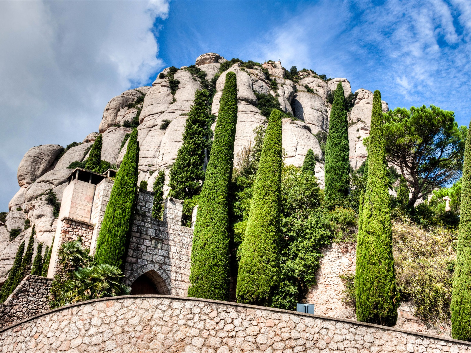 Monastery of Montserrat, Spain без смс